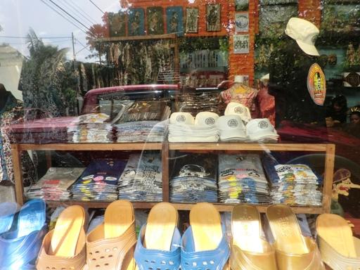 toko souvenir