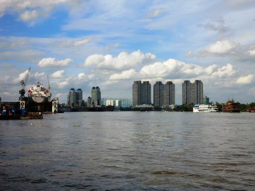 3.pemandangan sungai