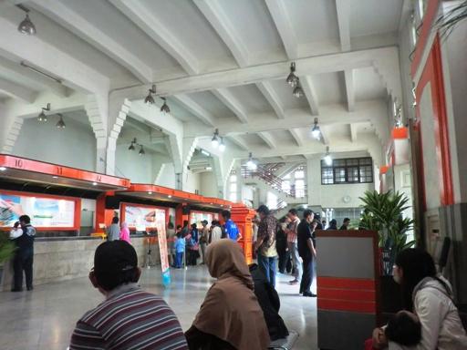 2.kantor pos Bandung