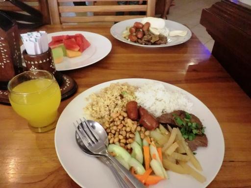 sarapan empal sosis dan sayur labu
