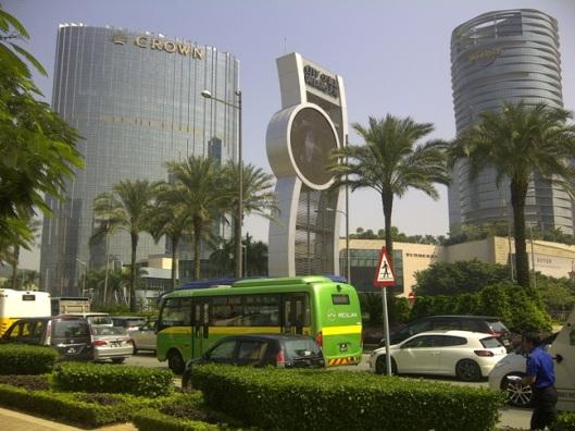 3.suasana depan city of dream