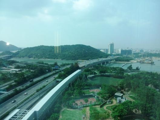 6.bandara dan kereta gantung ngongping terlihat dari kamar