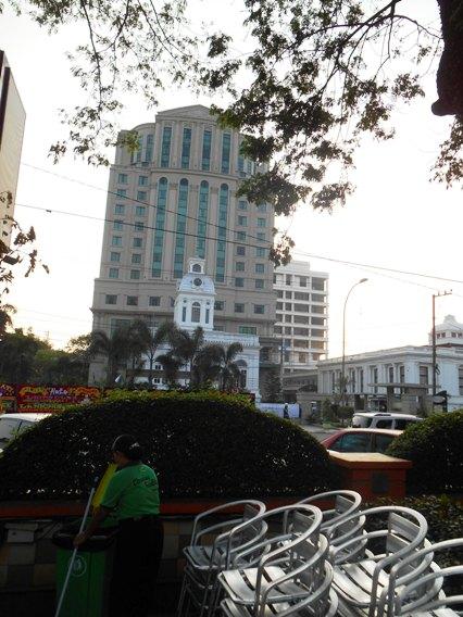 balaikota dan hotel aston
