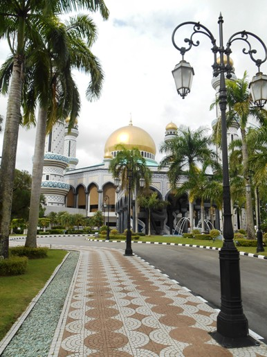 bwn masjid bolkiah
