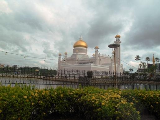 bwn masjid omar
