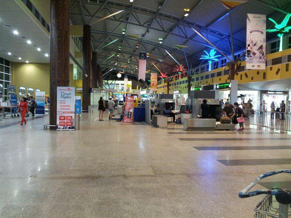 lkw_duty free airport