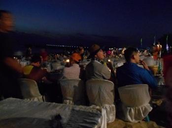 suasana dinner jimbaran