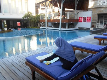 horison nusa dua pools