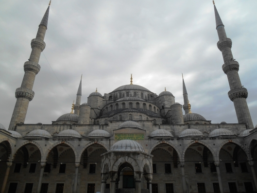 blue-mosque-outside