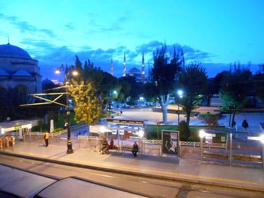 pemandangan-setelah-subuh-dari-kamar-104-esra-hotel