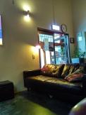 5-sofa-hostel