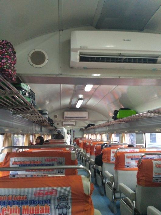 gerbong kereta malabar bisnis