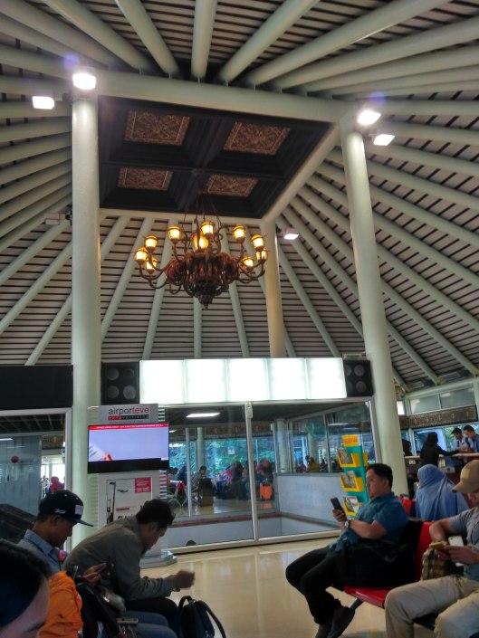 ruang tunggu terminal 1C.jpg