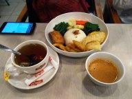 pecel ayam dan teh
