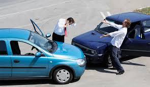 ilustrasi kecelakaan mobil di imoney.my