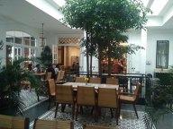 interior food court rumah mode2