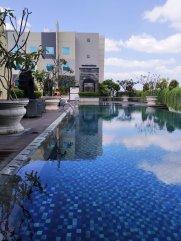 kolam renang ibis adisucipto yogyakarta2152833622946909618..jpg