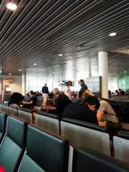 menunggu boarding